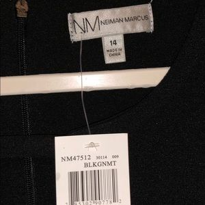 Neiman Marcus Dresses - NM Norman Marcus size 14 basic black dress w pop